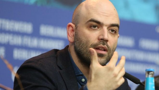 """Pas publikimit të parë, një """"selam"""" i erdhi në shtëpi: Rrëfimi për Roberto Saviano, gazetarin që """"sfidoi"""" mafian përmes librave (Foto)"""