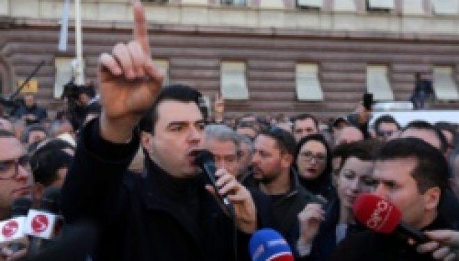 Shqipëri: Opozita përsëri në protestë, Rama fton për dialog