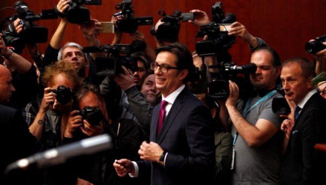 Stevo Pendarovski inaugurohet president i Maqedonisë së Veriut