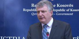 """Chabert: Kosova nuk mund t'ia lejojë vetes të mbetet në """"status quo"""""""