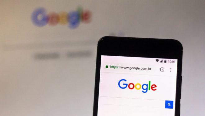 Google ridizajnon kërkimin nga platformat mobile