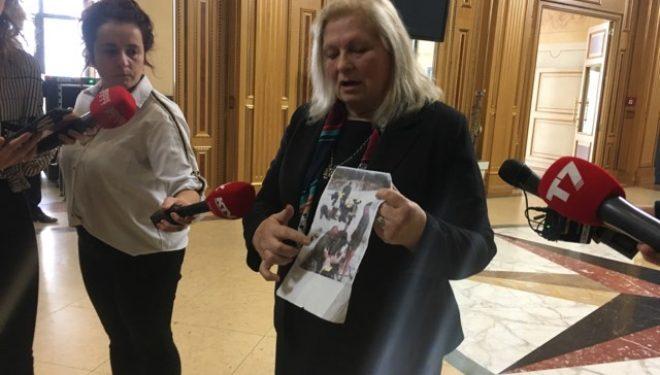 Brovina publikon dëshmi se si ushtarët serbë kanë dhunuar një grua në Kosovë