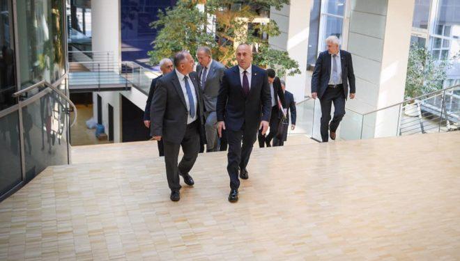 Haradinaj në Berlin: Kosova është pro dialogut që rezulton me njohje në kufijtë ekzistues