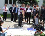 Në Gjilan u pikturua vepra e lirisë, punim në gjatësi prej 20 metra për nder të 20 vjetorit të çlirimit