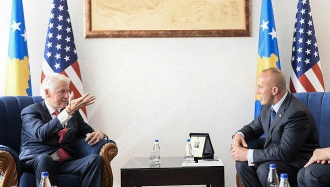 Haradinaj, Clintonit: Mirë se erdhe në shtëpinë tënde