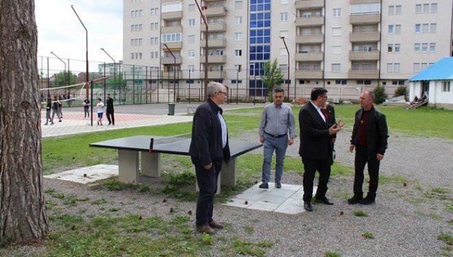 """Haziri me bashkëpunëtorë viziton shkollën """"Don Bosko"""""""