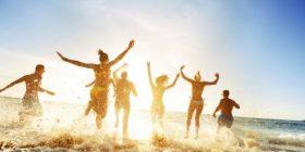 Këto janë 3 arsyet që jeni më të lumtur gjatë verës