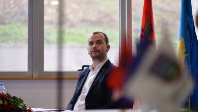 Qëndron Kastrati sulmohet në Hodonoc të Kamenicës, refuzohet mbyllja e shkollës