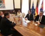 Vuçiq nga Gjermania: Dialogu do të vazhdojë vetëm kur të hiqet taksa
