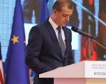 Leci: Agresiviteti ndaj Hardinajt në Prishtinë, Tiranë e Beograd, tregon shenja të mira se vendi po shkon në drejtimin e duhur