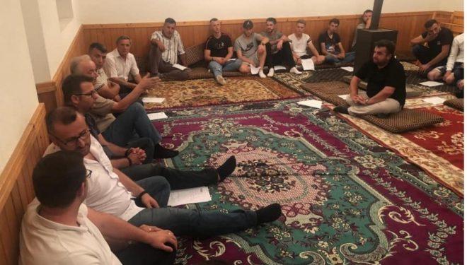 """AAK ia mori Naim Bazajn PDK-së, tash partia e Kadri Veselit i """"hakmerret"""" partisë së Haradinajt"""
