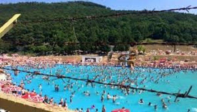 Policia mbyll pishinat e hapura në kundërshtim me vendimet antiCOVID-19