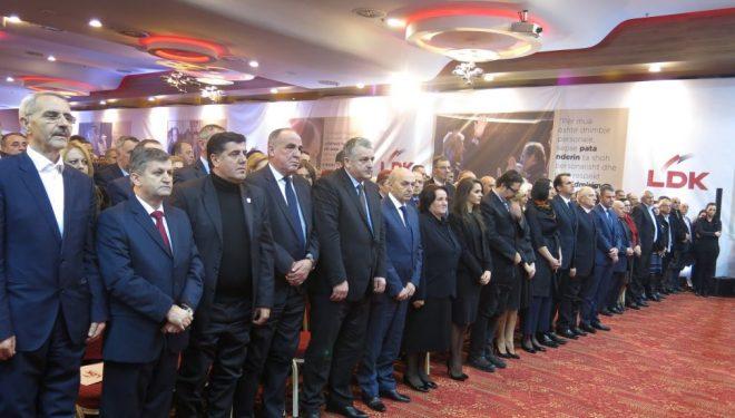 Çfarë po synon të fitojë LDK-ja duke i mbajtur të fshehur kandidatët për të parin e partisë?