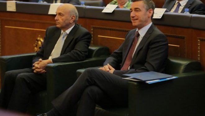 LDK-ja e PDK-ja do të bëjnë fushatë me taksën ndaj Serbisë, thonë se nuk e heqin