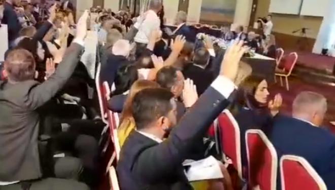 Video e papublikuar, tensione në Kuvendin e LDK'së kur ishte propozuar emri i Fatmir Sejdiut