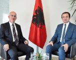 Ish-ambasadori Sabri Kiçmari i bashkohet Vetëvendosjes