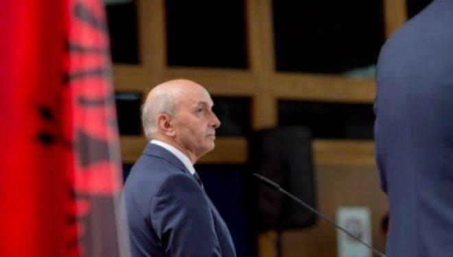 """Mustafa u përgjigjet akuzave të VV-së për """"Zajednicën"""""""