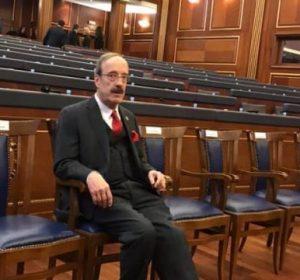 Milam Zeka: Kongresmeni Eliot Engel u la i vetëm në Kuvendin e Kosovës