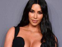Kur fotoshopi dështon, Kim Kardashian me gjashtë gishta në këmbë