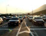 Kosovarët bllokojnë Morinën, ia mësyjnë Shqipërisë për Bajram