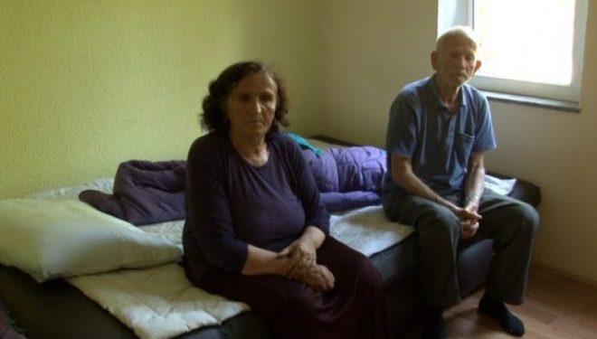 Prindërit pa ushqim, djali i tyre i vetëm që jeton jashtë vendit nuk kujdeset për ta