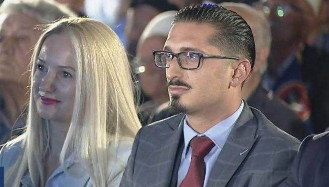 Djali i heroit, Agim Ramadani, në fushatën e LDK'së, emocionohet edhe Anton Quni