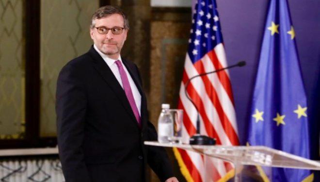Palmeri thotë se njohja reciproke Kosovë-Serbi do t'i zgjidhte mosmarrëveshjet mes dy vendeve