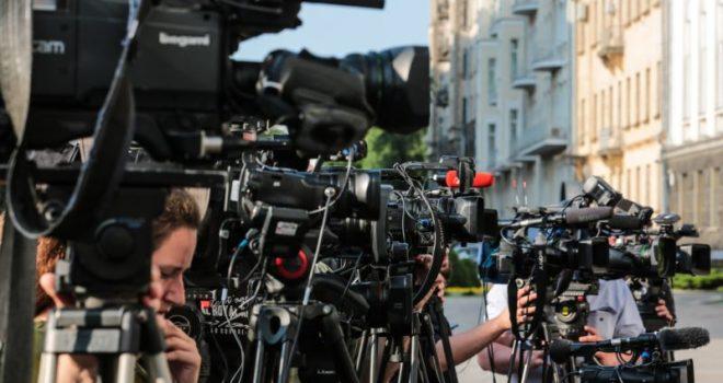 Letra e hapur e gazetarëve europianë: Paketë lehtësuese për mediat