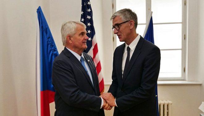 Ambasadori amerikan në Çeki riafirmon mbështjen për Kosovën e pavarur