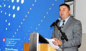 """333.000 euro, fatura e """"armatës politike"""" të ministrit që e quajti të trilluar masakrën e Reçakut"""