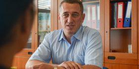 Nenad Rashiq kandidati i parë serb për kryeministër të Kosovës