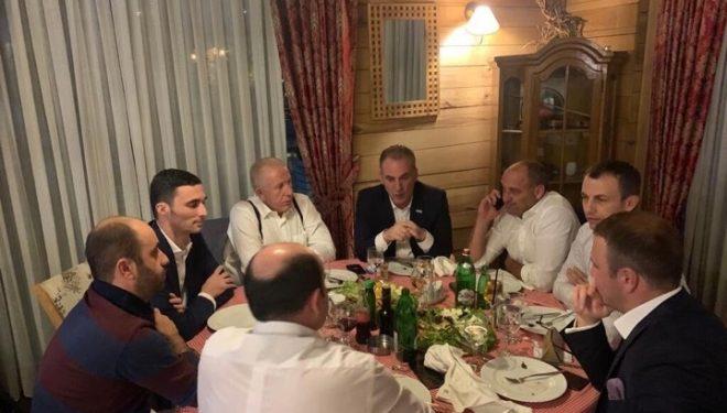 Koordinohen partnerët e koalicionit: Limaj e Pacolli i mbledhin zyrtarët dhe hanë darkë!