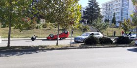 Aksident mes tri veturave tek Qendra e Studentëve