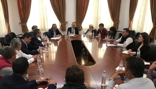 Bizneset delegojnë shqetësimet te kryetari i Prizrenit Mytaher Haskuka