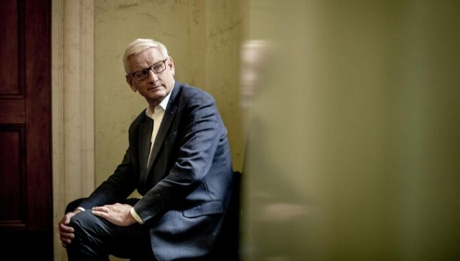 Bildt vlerëson vendimin e qeverisë së Kosovës për taksën