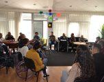 Qasja nëpër institucione vazhdon të mbetet problematikë për personat me aftësi të kufizuara