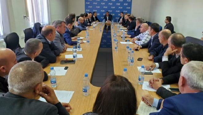 Kryetari Veseli takon kryetarët e degëve dhe shtabeve zgjedhore të PDK-së