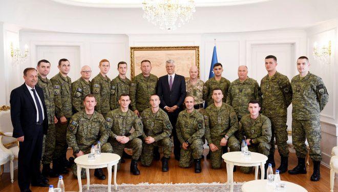 Presidenti Thaçi: Krenohemi me ushtarët e Republikës së Kosovës