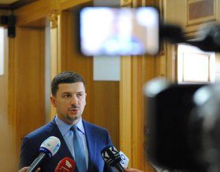 Krasniqi: Morëm buxhetin me 650 milionë euro më 2007, ia dorëzuam Mustafës me 2 miliardë më 2014