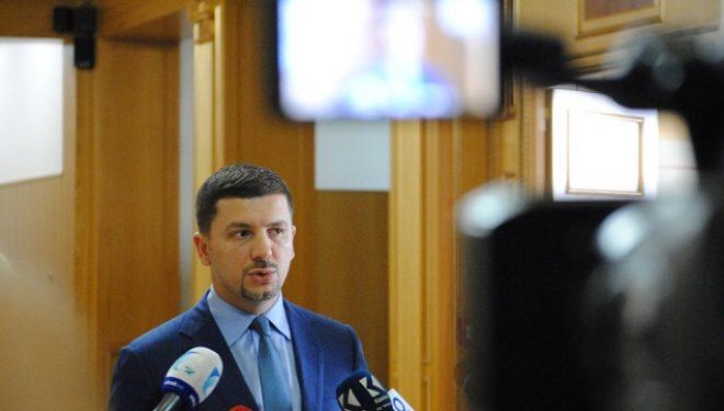 Krasniqi: Me trishtim mora lajmin e rëndë për aksidentin tragjik në Kroaci