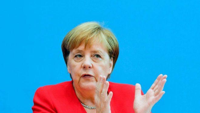 Merkel i kërkon Vuçiqit ta njohë Kosovën: Shpresoj se do të kemi përparim