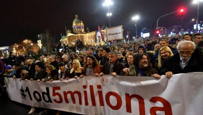 E shtuna e 47-të e protestave kundër Vuçiqit – Përmendet edhe Kosova