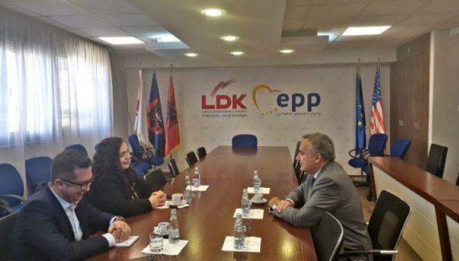 Osmani takohet me ambasadorin italian i cili shprehu gatishmërinë për përkrahjen e proceseve të rëndësishme në Kosovë