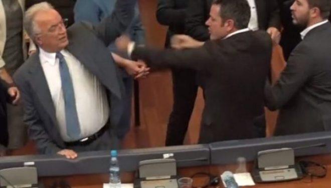 Xhavit Haliti e Gani Dreshaj shpallen fajtorë që sulmuan Arben Gashin, Gjykata i dënon me para