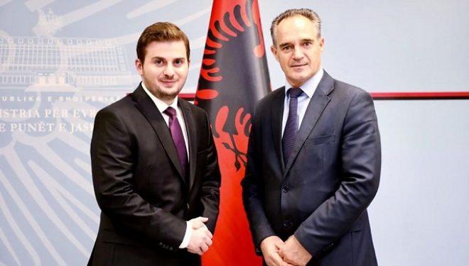 Cakaj takohet me ambasadorin e ri të Kosovës në Shqipëri