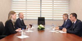 Guvernatori Mehmeti njoftoi ambasadorin e Norvegjisë me zhvillimet në sektorin financiar