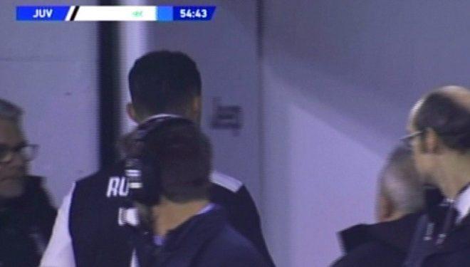 Çfarë po ndodh tek Juventus? Sarri zëvendëson Ronaldon në minutën e 55, reagimi i portugezit…