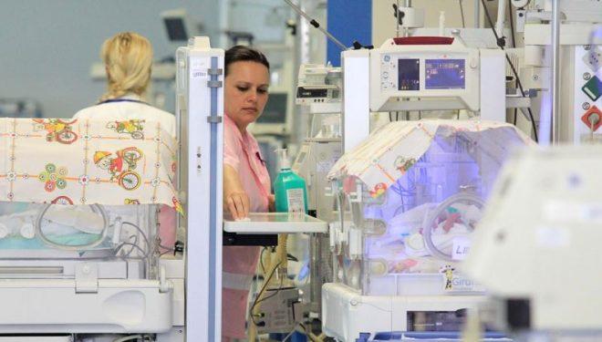 Shkup: Mjekët kërkojnë kushte më të mira për të parandaluar ikjen e stafit shëndetësor