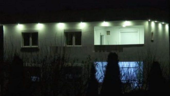 Me 14 plumba është  Sulmuar shtëpia e zyrtarit të Policisë së Kosovës