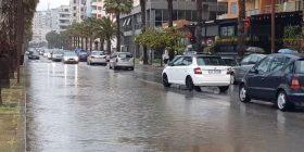 """Moti i keq """"pushton"""" Shqipërinë! Erë dhe rrezik përmbytjeje, ç'do të ndodhë në 3 ditët e ardhshme"""
